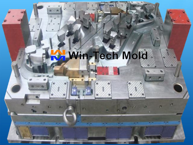 Plastic Injection Mold (01)